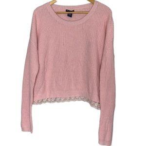 Pink sweater w/lace trim EUC L